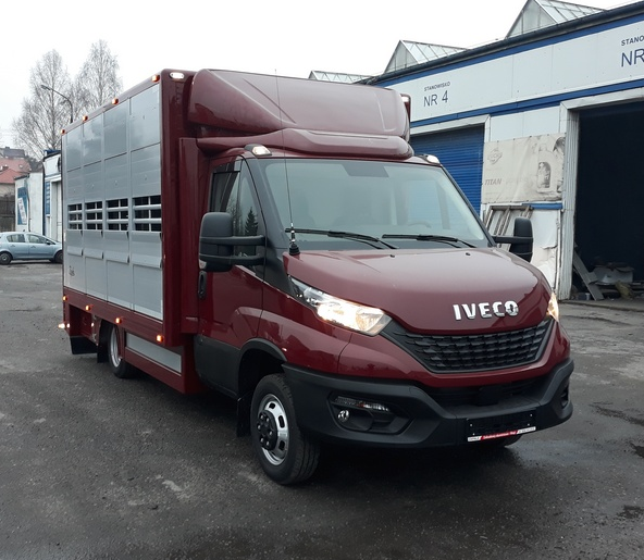 #18 Iveco Daily 50C18