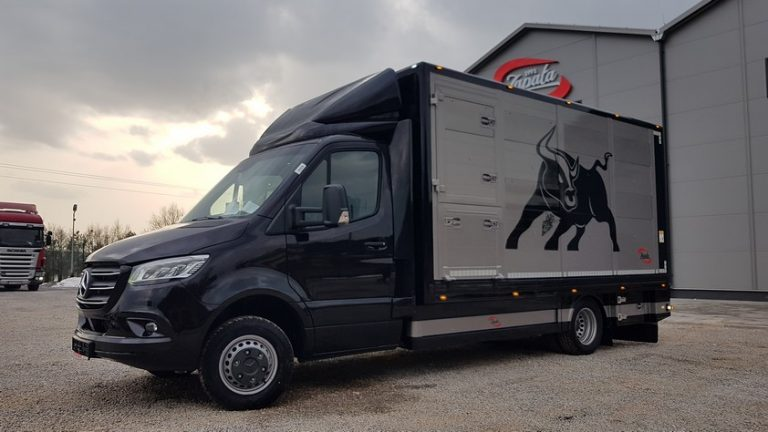 #24 Mercedes-Benz Sprinter 519 CDI